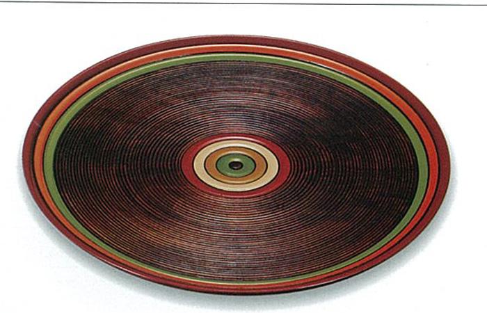 【木製漆器】11.0 丸盆 栃 独楽文様 /内祝い・御祝・御礼・お返し・おもてなし・来客用