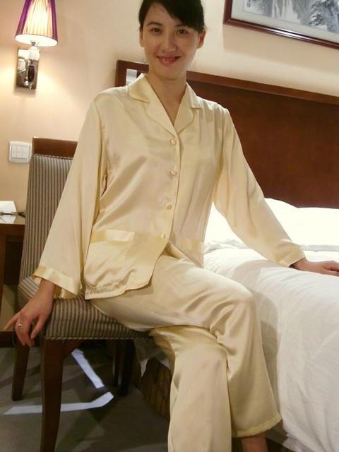 【あす楽】【送料無料】シルクパジャマ長袖【イエロー】シルク100%パジャマ大きいサイズ XL・XXL・XXXL《ブランド嬌奴》67種色柄S~XXXL取り揃え《ブランド嬌奴》の商品については、製造中止により在庫限りになりました。