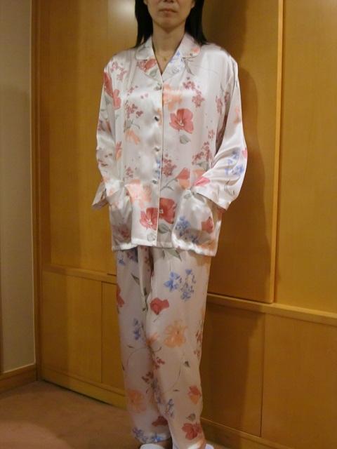【あす楽】【送料無料】シルクパジャマ長袖【白地花柄】シルク100%パジャマS→XXXL サイズも豊富シルクナイトウェア《ブランド嬌奴》67種色柄《ブランド嬌奴》の商品については、製造中止により在庫限りになりました。