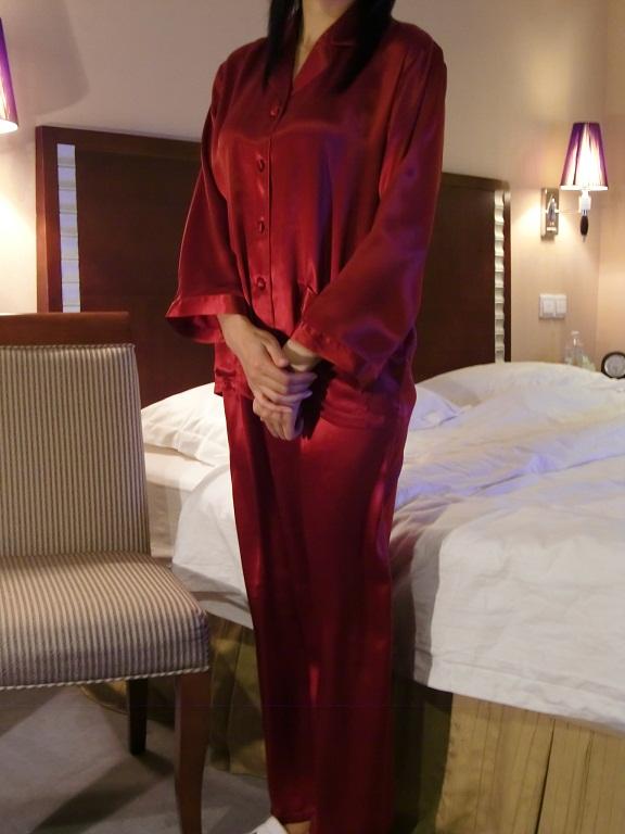 【あす楽】【送料無料】シルクパジャマ長袖【ワインレッド】シルク100%パジャマS→XXXL サイズも豊富シルクナイトウェア《ブランド嬌奴》67色柄《ブランド嬌奴》の商品については、製造中止により在庫限りになりました。