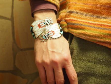 印第安珠宝·zuni族Eldred Martinez(埃尔德雷德·马丁内斯)收成kommeiden·手镯