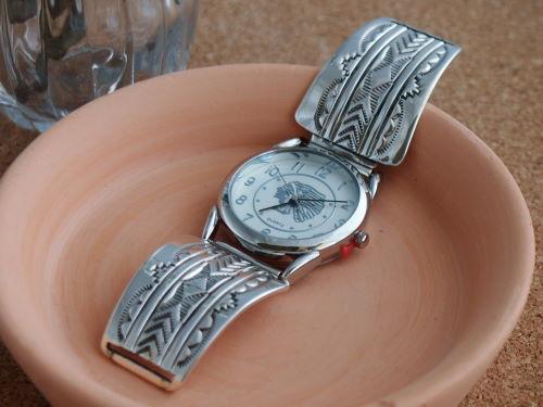 インディアンジュエリー・ナバホ族 Bruce Morgan(ブルース・モーガン)スタンプワーク Bruce Men'sブレスウォッチ(腕時計), 会津若松市:7a7f72f7 --- pixpopuli.com