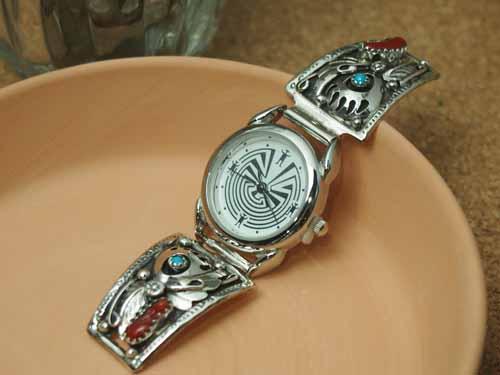 インディアンジュエリー・ナバホ族 ターコイズとサンゴ・ベアパウモチーフ Ladies'ブレスウォッチ(腕時計)