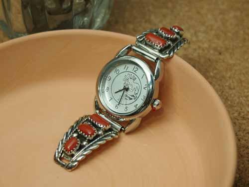 インディアンジュエリー・ナバホ族 3サンゴ Ladies'ブレスウォッチ(腕時計)