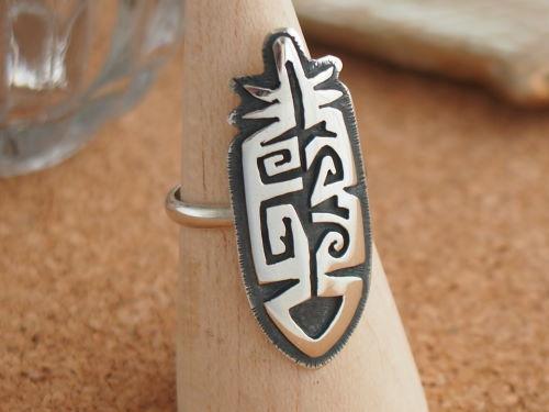 インディアンジュエリー・ホピ族 Hurry Nutumya(ハリー・ヌトゥミヤ)作 フェザーのプレート リング 15号