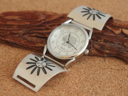 インディアンジュエリー・ホピ族 Duane Tawahongva(デュエイン・タワホングヴァ)作 サンフェイス Men'sブレスウォッチ(腕時計)