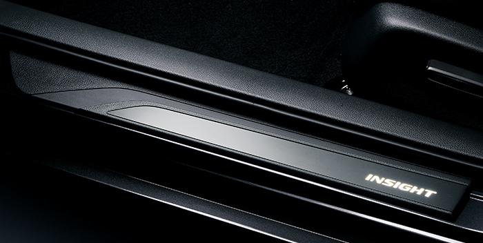 HONDA ホンダ 純正 サイドステップガーニッシュ 08E12-TXM-000   INSIGHT インサイト ZE4 サイドステップ ガーニッシュ イルミネーション イルミ 光 LED ホワイト アルミ ブラックアルマイト ホンダ純正 ライトアップ 取り付け おすすめ 車