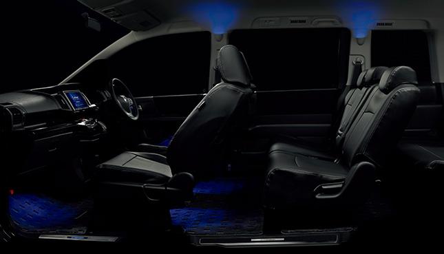 HONDA ホンダ STEPWGN ステップワゴン ホンダ純正 フットライト(1列目用)LEDブルー照明/ドア開閉連動・スモールライト連動/左右セット 【 2014.4~次モデル】 || ライト 車 内装 室内 イルミネーション イルミ 後付け 照明 アクセサリー