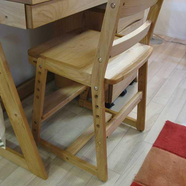 高さ調整可能なコンパクトチェア 椅子 高さ5段階調節可能 グローイングチェア オイル系塗装仕上げ アルダー材 シンプル