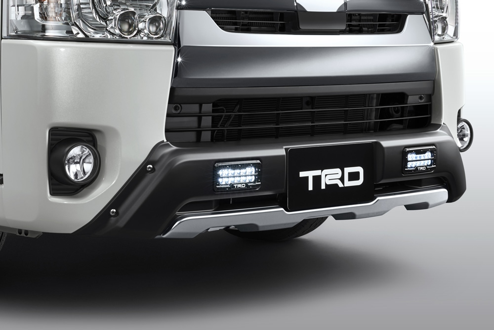 TRD レジアスエース 200系 KDH200 211 220/GDH200 211 220/TRH200 210 220 フロントスポイラー LED付 MS341-26003 配送先条件有り