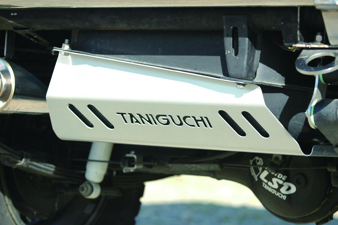 オフロードサービス タニグチ ジムニー SJ30 JA71 11 12 22 ドレスアップタンクカバー OFF ROAD SERVICE TANIGUCHI