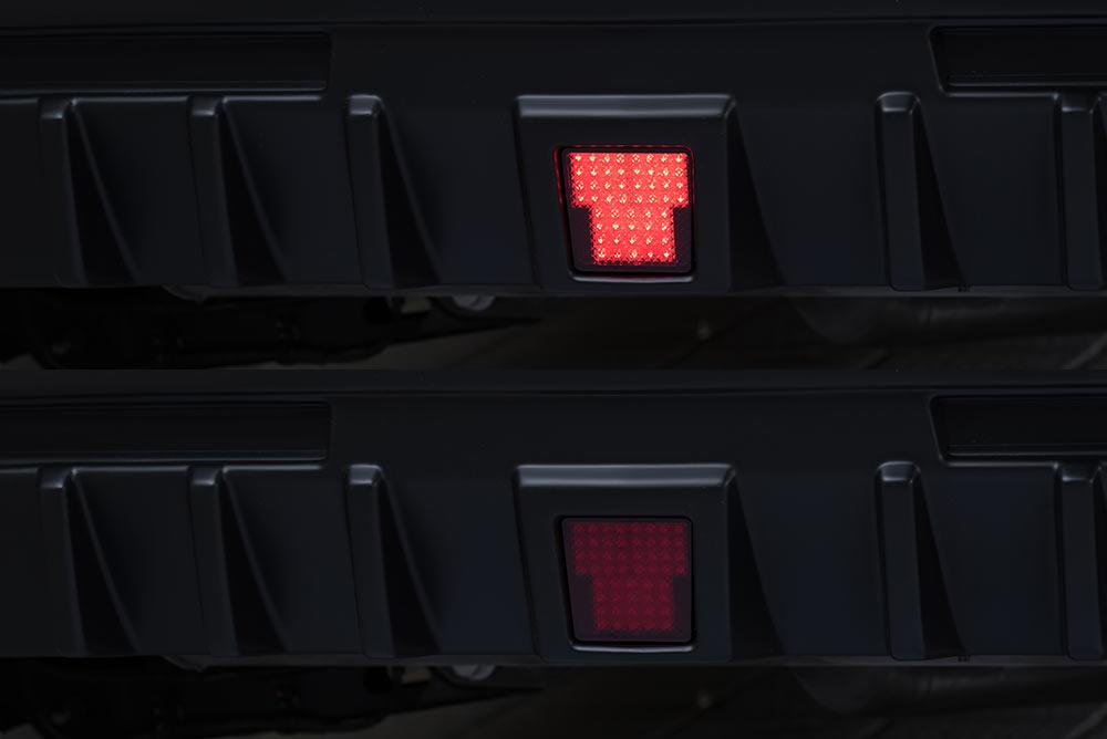 エムズスピード キャデラック C1UL LEDバックフォグランプ Cキット 未塗装 041-0003 ラヴライン ゼウス