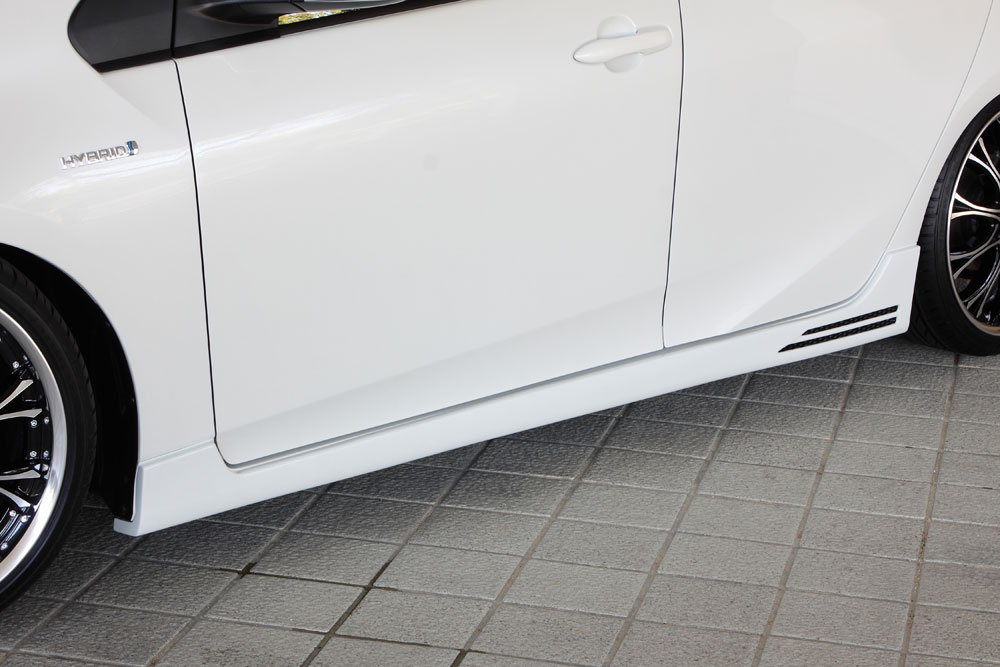 エムズスピード プリウス ZVW50 前期 サイドステップ 単色塗装済 1392-2113 グラマラスライン ゼウス