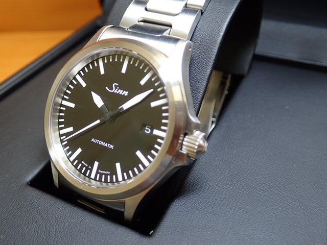 ジン 腕時計 SINN 556.M優美堂のジン腕時計はメーカー保証2年つきの正規輸入商品です
