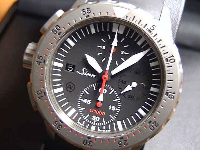 ジン 腕時計 Sinn U1000特殊構造のプッシュボタンは水中での操作が可能