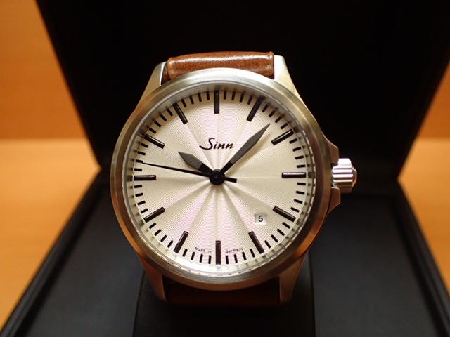 日本限定50本 ジン 腕時計 Sinn 556.SILVER.J優美堂のジン腕時計はメーカー保証つきの正規輸入商品です