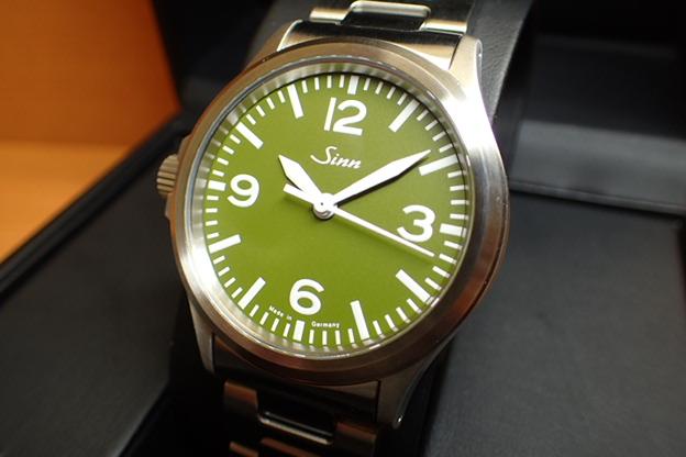 ジン 腕時計 Sinn ジン時計 556.GREEN.M 日本限定150本しか作られませんでした まぎれもないジン・スタイル優美堂のジン腕時計はメーカー保証つきの正規輸入商品です