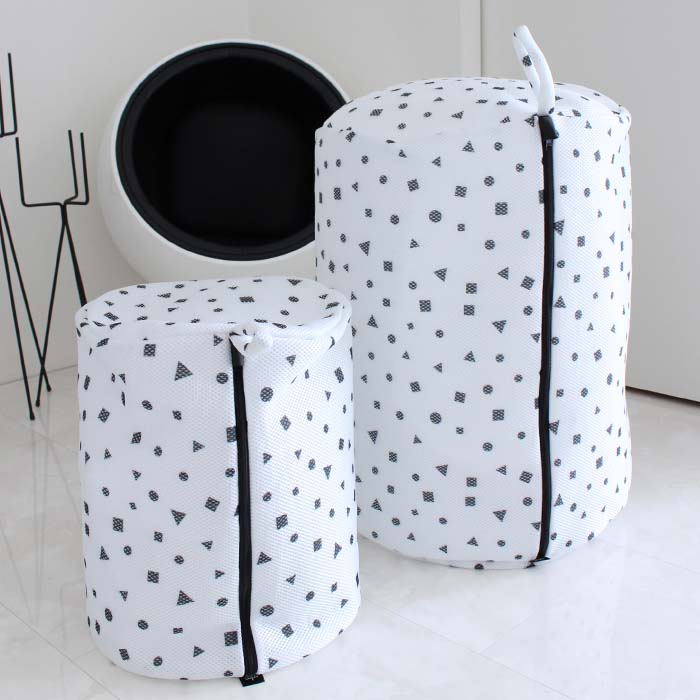 直輸入品激安 MONOTONE LAUNDRY NET 洗濯ネット お得なキャンペーンを実施中 北欧 モノトーン おしゃれ ジオメトリー ランドリーネット 筒型 白黒 XLサイズ