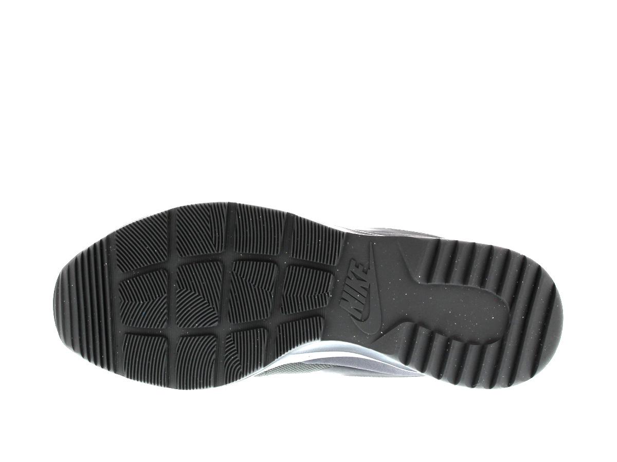 耐克生产工序 CHUKKA 耐克丹绒 chukka 暗灰色,黑色,绿色辉光