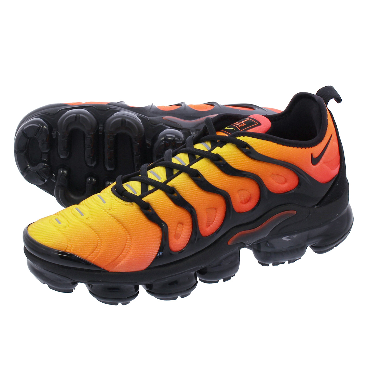 397db8b4798 NIKE AIR VAPORMAX PLUS Nike vapor max plus TOTAL ORANGE BLACK TOTAL CRIMSON  SUNSET 924