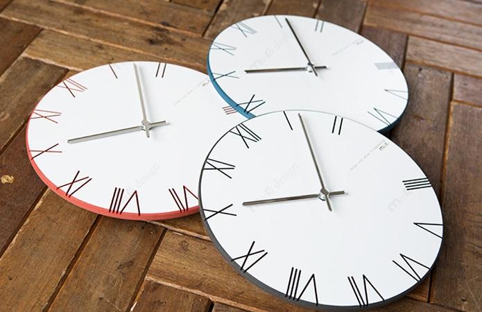 シンプルがゆえに美しい壁掛け時計 供え 壁掛け時計 LPM 定価の67%OFF ROMAN ブラック ブルー レッド ハンドメイド プレゼント 贈り物 クロック 新築 お祝い 置き時計 事務所 オフィス シンプル 都会的 おしゃれ リビング ギフト 誕生日 開店