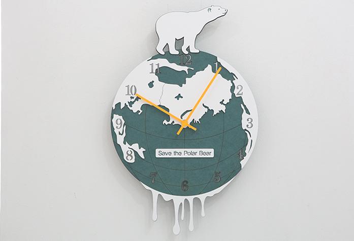 壁掛け 時計 シロクマ Save The Polar Bearウォールクロック おしゃれ 動物 白熊 地球 くま 世界 大陸 北半球