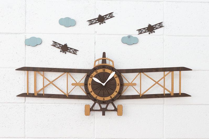 少し大きめの飛行機の壁掛け時計 壁掛け時計 限定モデル 飛行機 airplane ハンドメイド プレゼント 贈り物 クロック 新築 お祝い 激安通販ショッピング ギフト 開店 リビング 空港 子供 おしゃれ クラシック エアープレーン 飛行場 子供部屋 誕生日