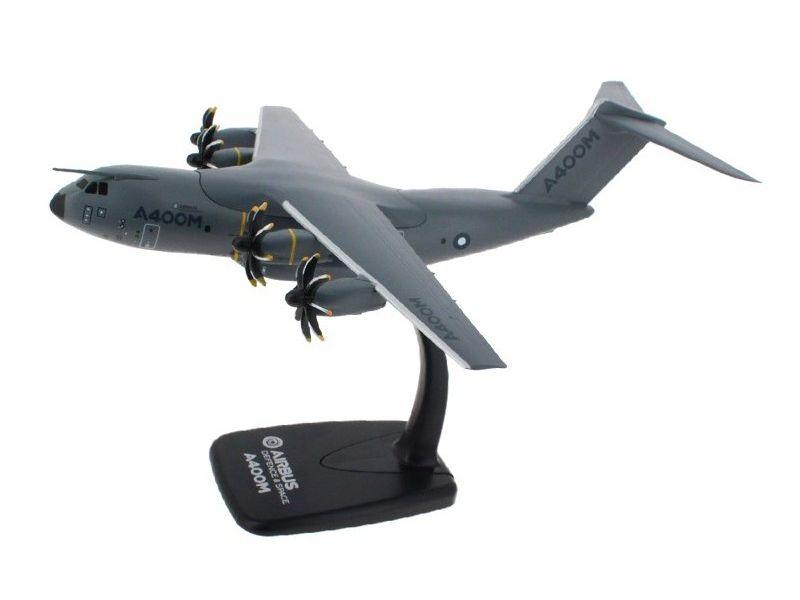 Airbus A400M 1/200 scale model エアバス 飛行機 プラスチック モデル
