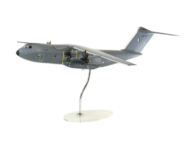 Airbus Executive A400M 1/100 scale model French livery エアバス 飛行機 プラスチック モデル