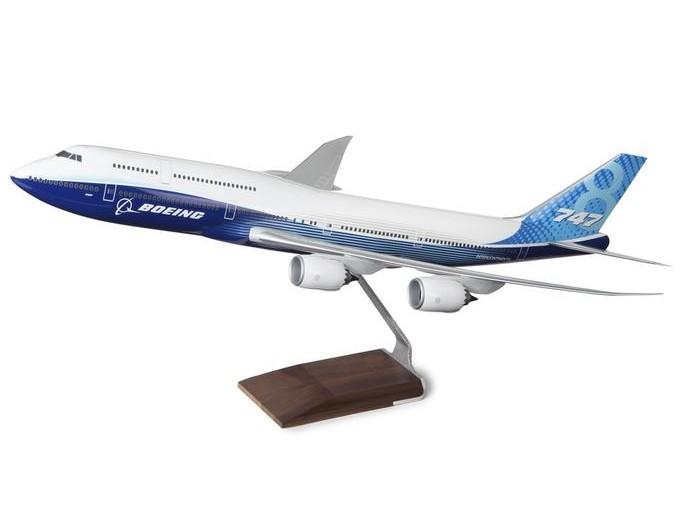 ボーイング 747-8 Intercontinental Resin 1:100 Model ダイキャスト