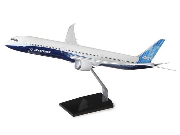 Boeing 787-10 Dreamliner Plastic 1:144 Model ボーイング プラスチック モデル