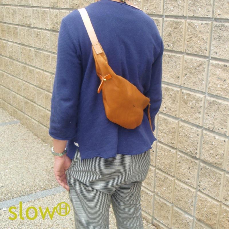 <送料無料>手縫いの本革ショルダーバッグ「Seed」【全て手縫いのレザーバッグ】