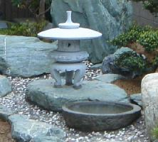 【送料無料】【代引不可】雪見燈籠(1.5尺・丸型)【御影石】日本庭園の定番商品!!和風を彩る必須アイテム!!庭石の上に飾るとより引き立ちます♪