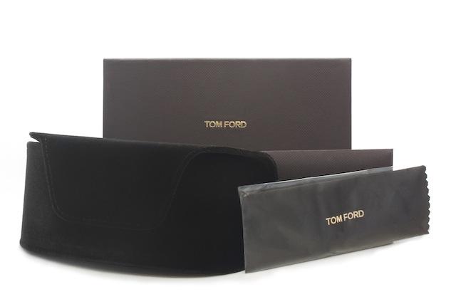 【海外直送】Tom Ford トムフォード メンズ サングラス Tom Ford FT0526 55 サイズ 正規品 安い ケース&クロス付