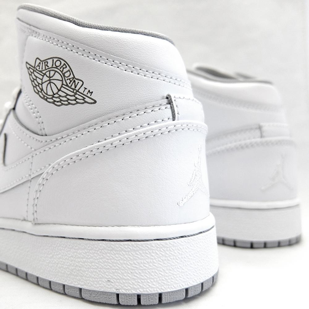 203eb5cbc614 NIKE AIR JORDAN 1 MID BG Nike Air Jordan 1 mid  554725-112 WHITE WHITE WOLF  GREY