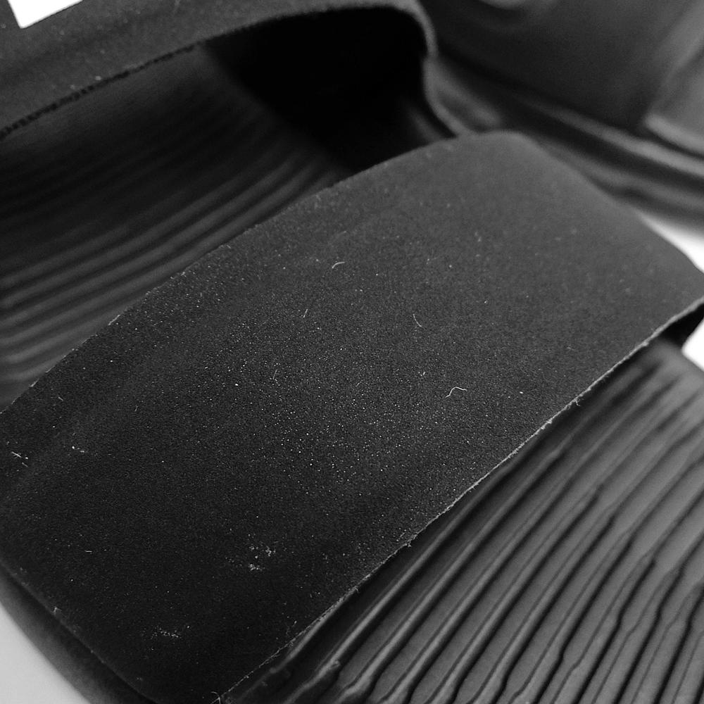 NIKE WMNS TANJUN SANDAL[88万2694-001 BLACK/WHITE]耐克妇女舌头Jun凉鞋黑色白色佳丽煤尘陷井皮带铃黑海滩黑白是黑白的