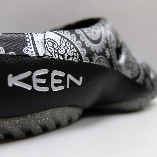 KEEN キーン ヨギ メンズ レディース サンダル YOGUI ARTS BLACK/SILVER PAISLEY 1020291 1020311 ヨギアーツ ブラック シルバー 黒 アフタースポーツ 軽量 クロッグサンダル クロッグシューズ スリッパ
