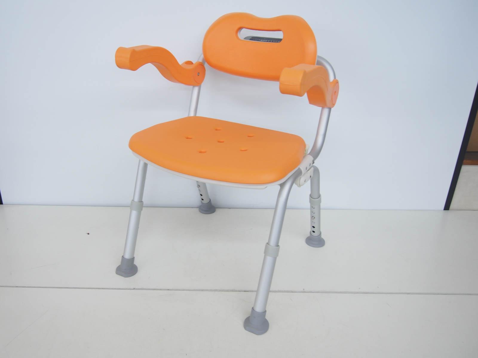 【中古】パナソニックエイジフリーライフテック シャワーチェア ユクリア ミドルSPワンタッチおりたたみ PN-L41811D お風呂椅子 オレンジ