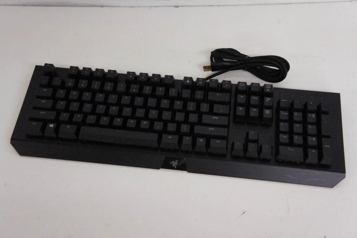 安心の90日保証 中古 RAZERレーザー ゲーミングキーボード RZ03-01760200-R3M1 Chroma 最新号掲載アイテム BlackWidow 新着 X