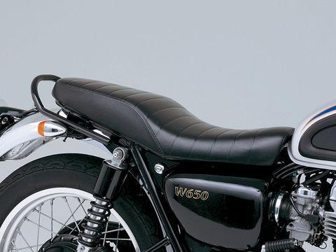 W650のテイストに良く似合うローダブルシート COZY ローダブルロール W650 超安い 新品