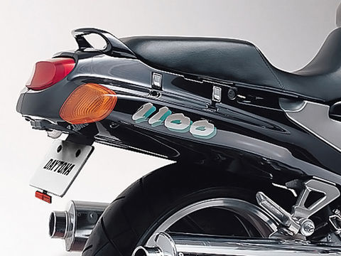 フェンダーレスキット ZZR1100D