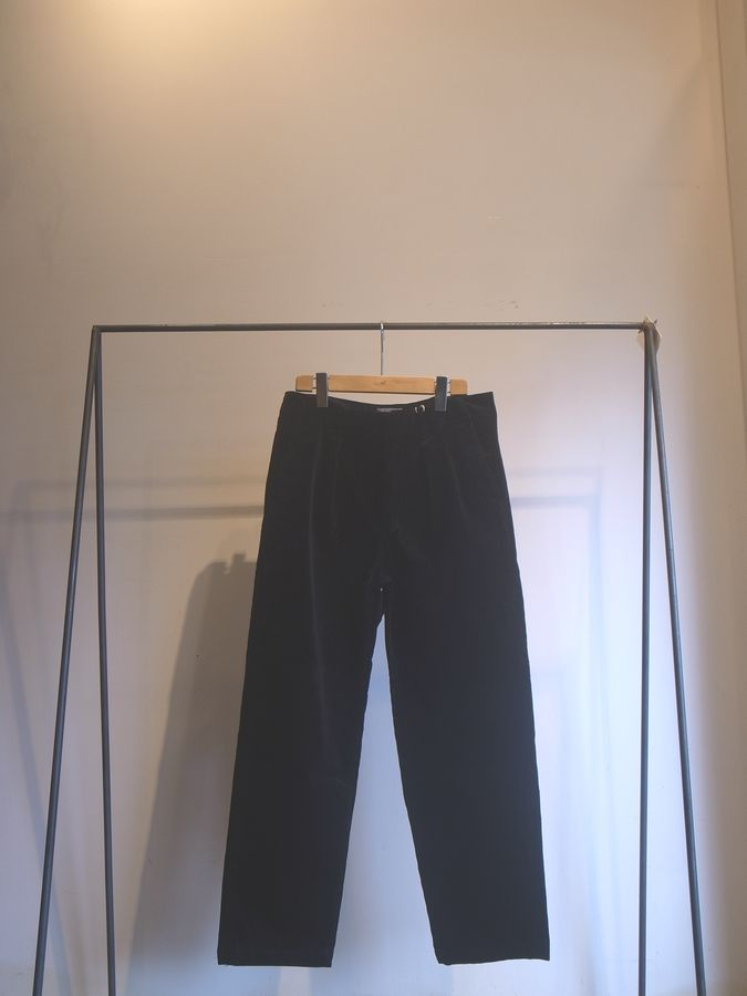 STILL BY HAND(スティルバイハンド)IN-TUCK CORDUROY PANTS