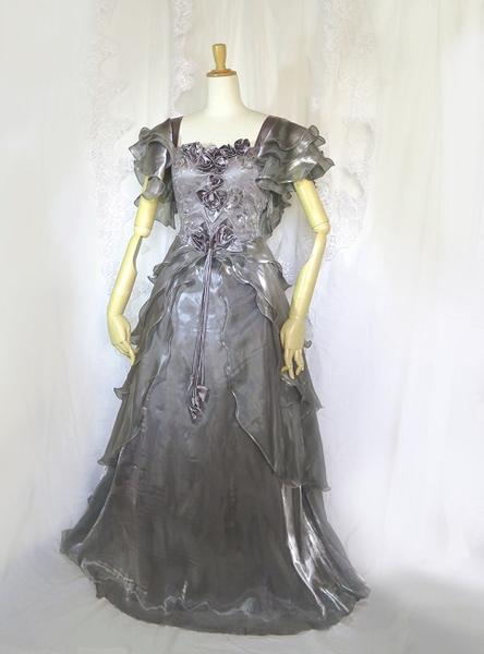 シルキーグレーのロングドレスオーバーレースを重ねたお姫様ドレスエレガント&ゴージャスのL~LLフリーしなやかに優雅なフリルパーティードレス 発表会ステージ 演奏会 カラオケにも映える