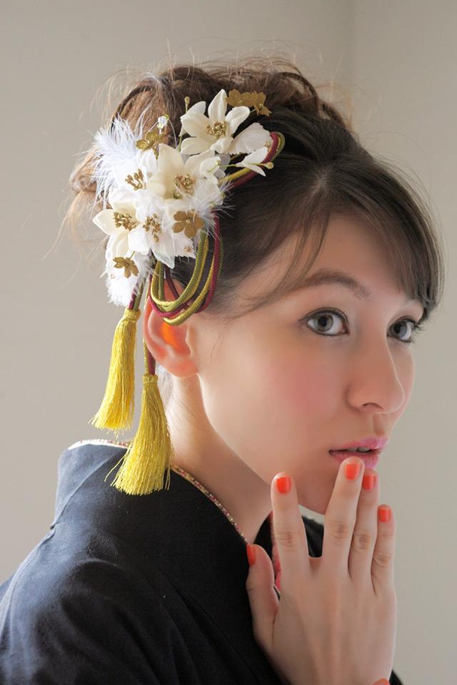 Ornament 2 sets Barrette hair flower ceremony furisode graduation hakama hakama white flower Japanese pattern fur braid hair accessories