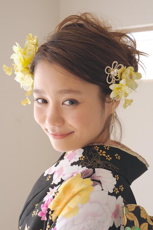 Ornament 3 point set quinceañera furisode graduation hakama hakama yellow yellow Hana kanzashi kanzashi new year ringtone thing wedding dress trusting hair pinned hair flower