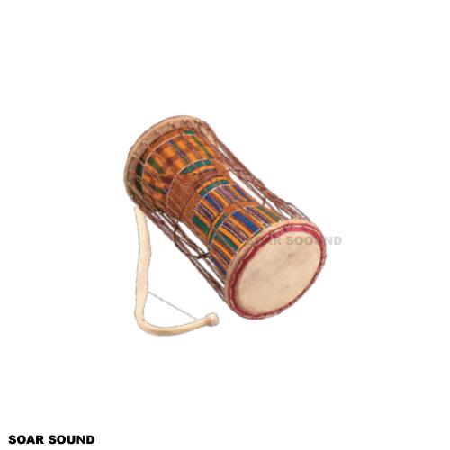 ガーナ製 トーキングドラム アフリカンドラム AS-TDSKE by サウンドキング 直径15×全長30cm 民族楽器 打楽器 太鼓