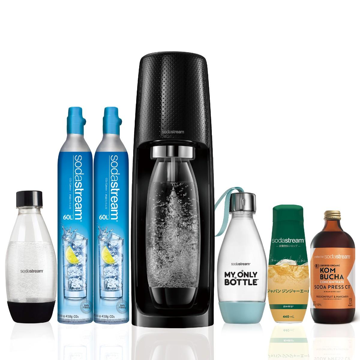 普段の水をわずか数秒で炭酸水にできる炭酸水メーカー。オーガニックシロップがセットになった特別パッケージ。 ソーダストリーム Spirit(黒) スターターキット 特別パッケージ