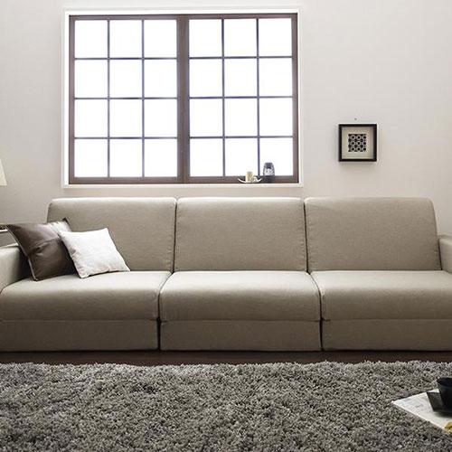 シンプルなデザインと機能性を兼ね備えた デザインソファベッド 幅270cm