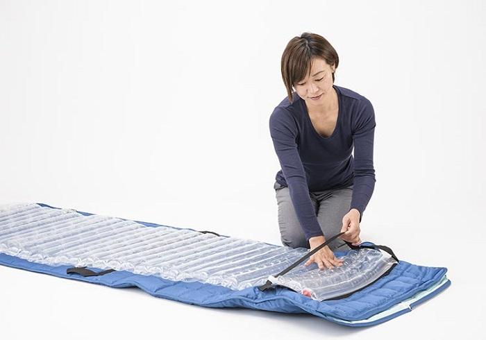 防災備蓄用寝袋 リユースエアマット付き 真空パック ハンドポンプ付き 担架 とわの防災寝袋365 寝袋