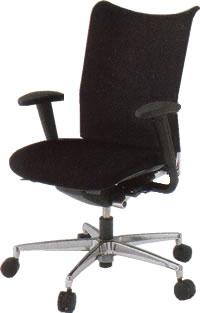イトーキ オフィスチェア プラオα チェアー ベースカラーZ9布張り アジャスタブル肘付 ランバーサポート付KE-559CHN-Z9